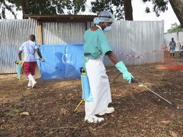 Aislado un sacerdote español en un hospital de Liberia