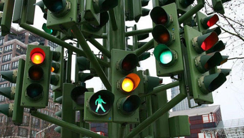 Historia del semáforo automático
