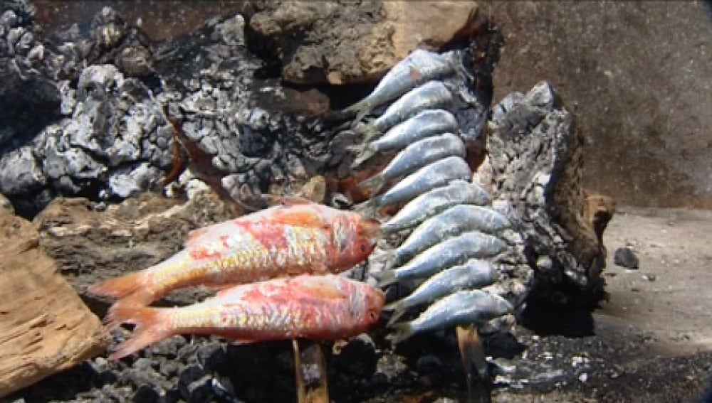 La guerra de los espetos en la costa malagueña