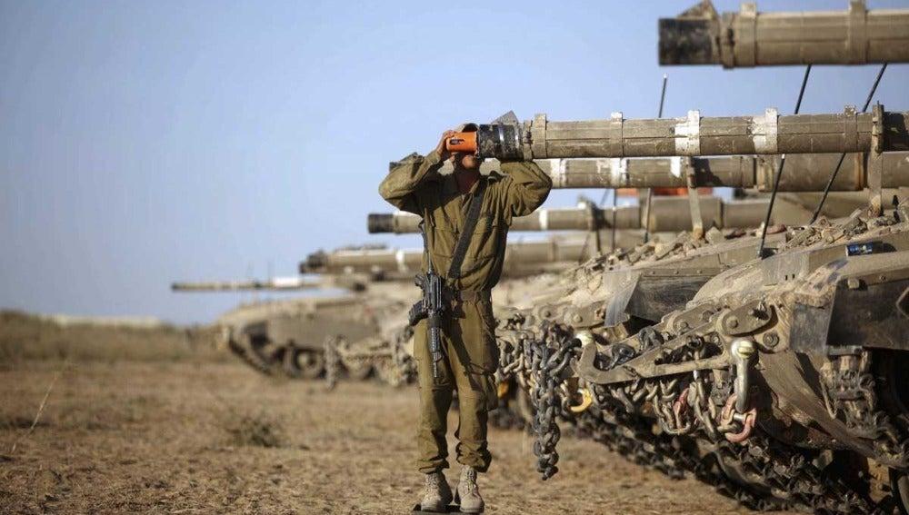 Milicias palestinas lanzan tres cohetes