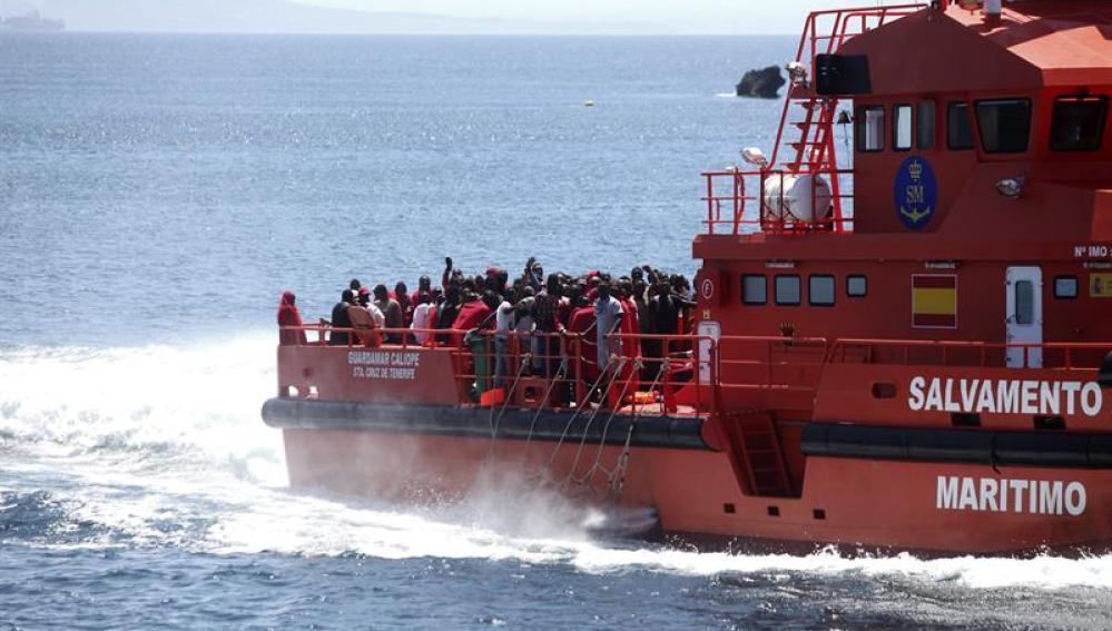 Más de 800 inmigrantes rescatados en el Estrecho