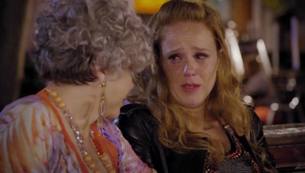 Maria castro llorando