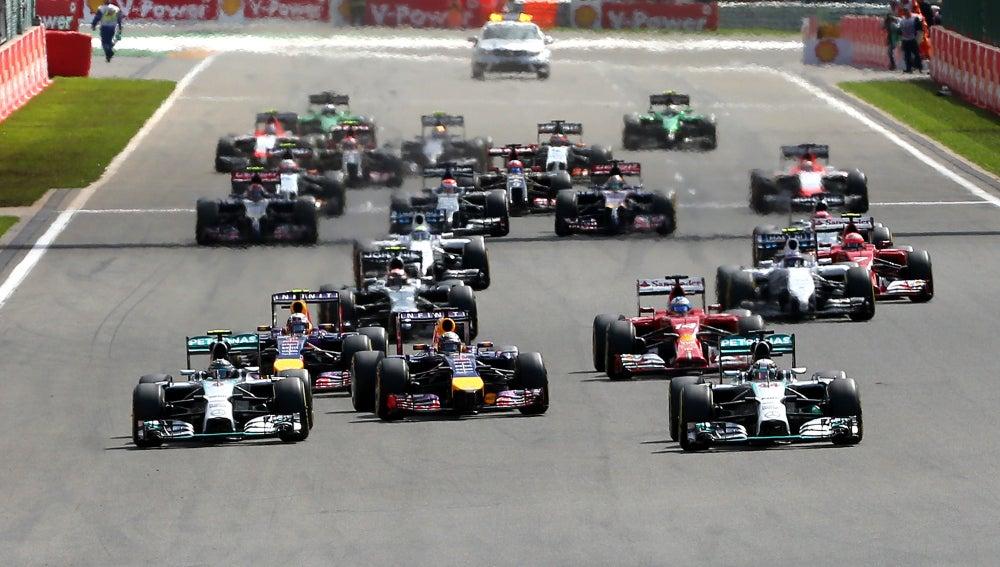 La salida del Gran Premio de Bélgica de la temporada 2013/2014