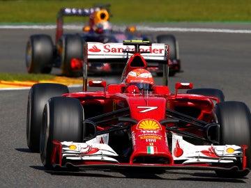 Kimi Raikkonen rueda en Spa