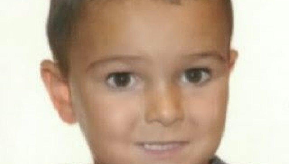 La imagen del pequeño, difundida por la Interpol