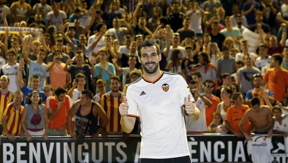 Álvaro Negredo, nuevo fichaje del Valencia