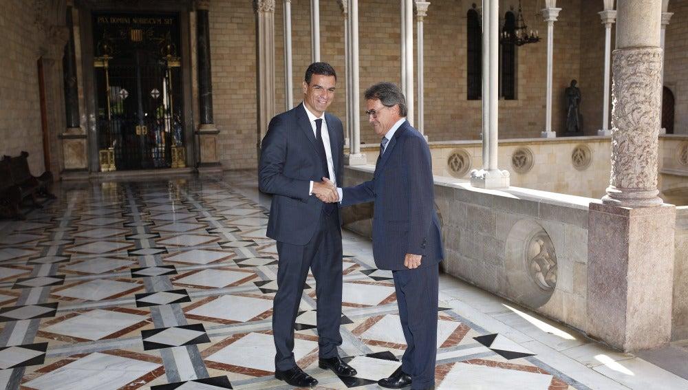 Pedro Sánchez y Artur Mas se reúnen