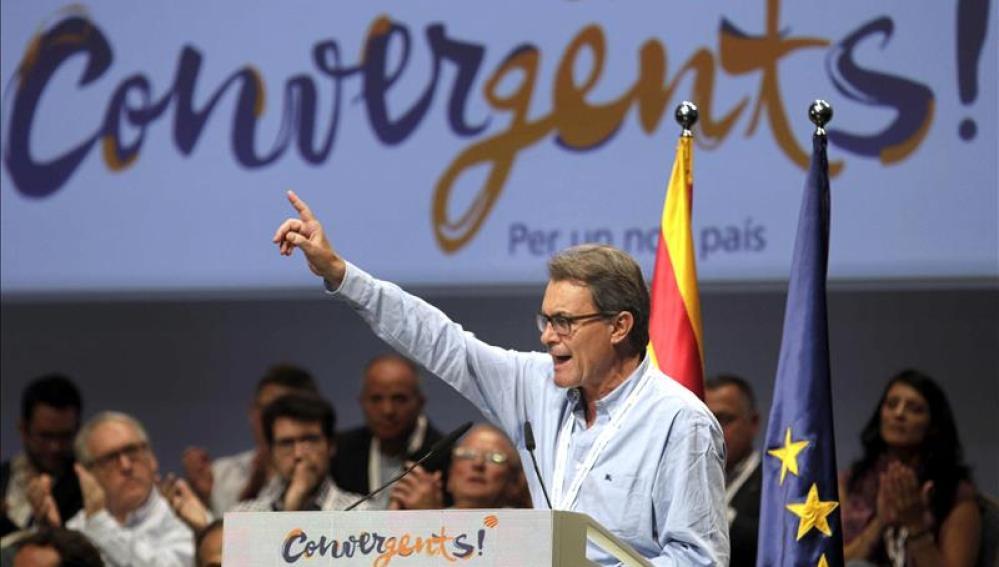 """Mas anuncia a ERC que """"la consecuencia del cálculo partidista es hundir a Cataluña"""""""