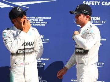 Lewis y Nico, distanciados