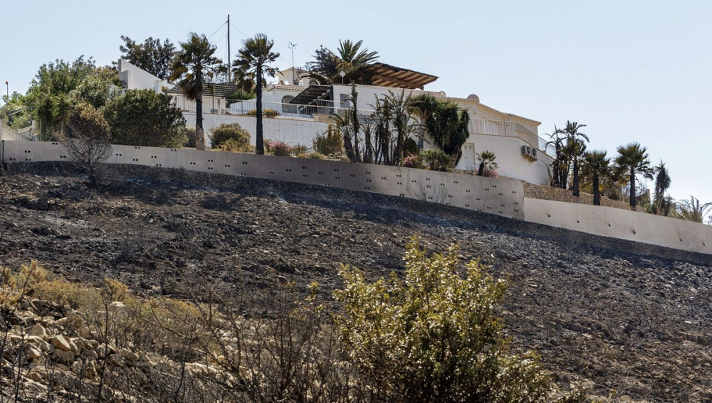 El incendio de Alicante, ya extinguido