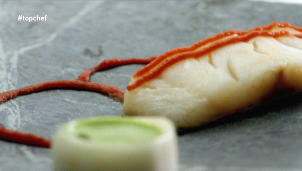 Bacalao con soda carbónica de pesto de orégano y concentrado de tomate
