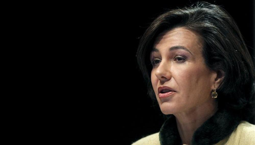 Ana Botín preside por primera vez una Junta del Banco Santander