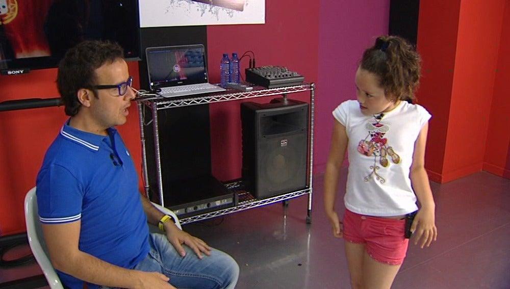 """""""Hola Ángel, soy Shakira"""" en los ensayos de Nayra y Anna Simon en Tu cara me suena Mini"""