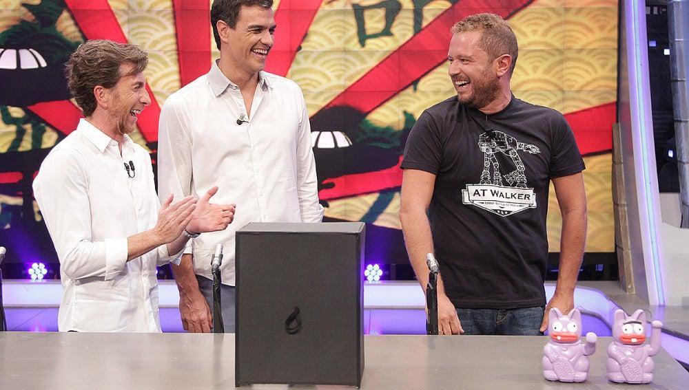 Pedro Sánchez con El Monaguillo y Pablo Motos