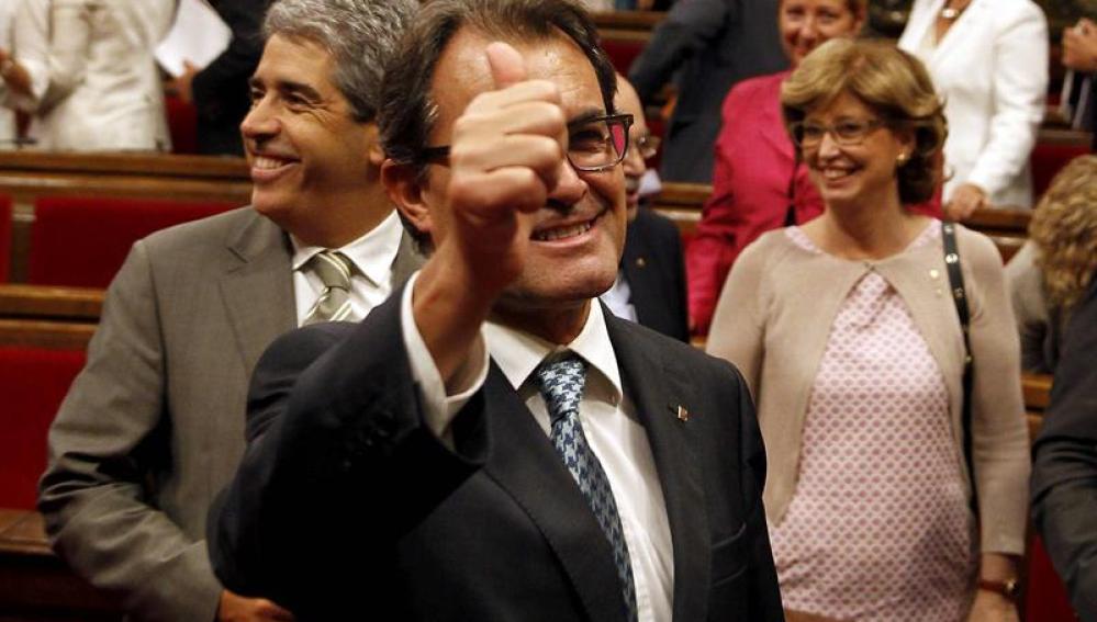 Artur Mas se felicita por la aprobación de la ley de consultas