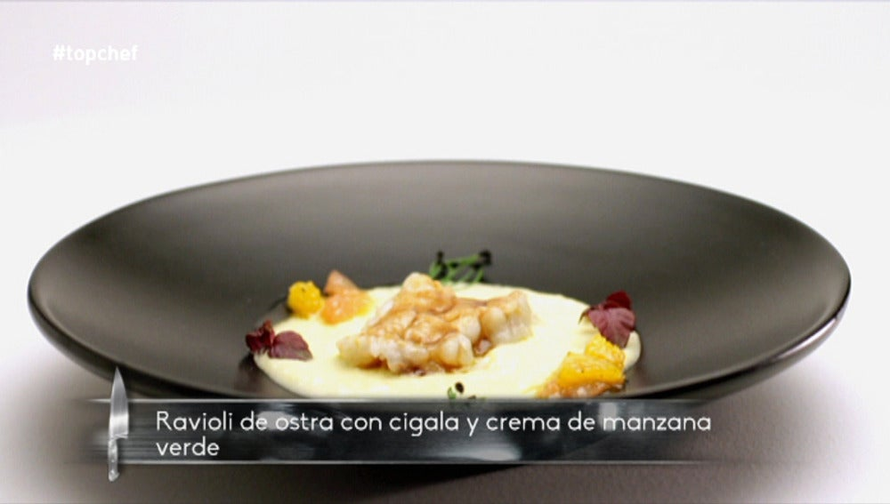 Ravioli de ostra con cigalas y crema de manzana verde