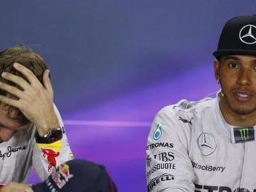 Vettel, extenuado en rueda de prensa