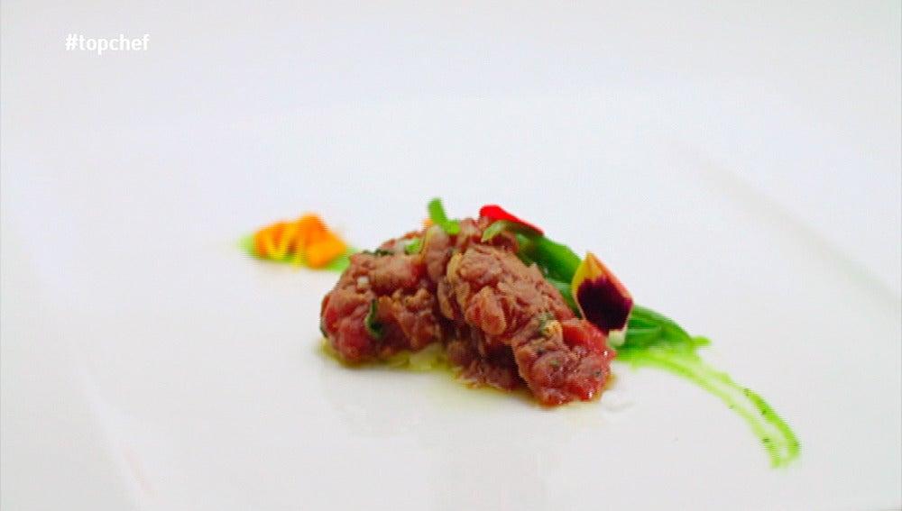 Tartar de bisonte con judías verdes