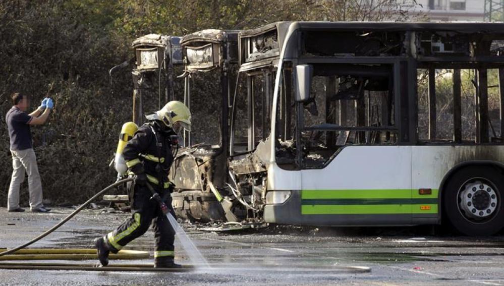 Tres autobuses incendiados en Barakaldo