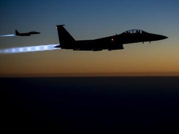 Dos cazas sobrevolando el norte de Irak