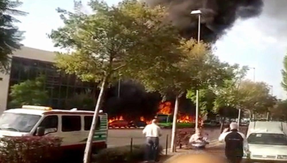 Un autobús en llamas en Córdoba