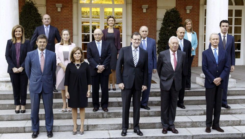 El presidente del Gobierno y sus ministros