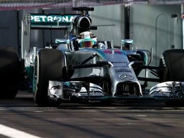 Hamilton luce su Mercedes en Rusia