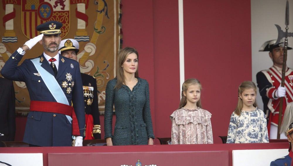 Los Reyes presiden el desfile militar