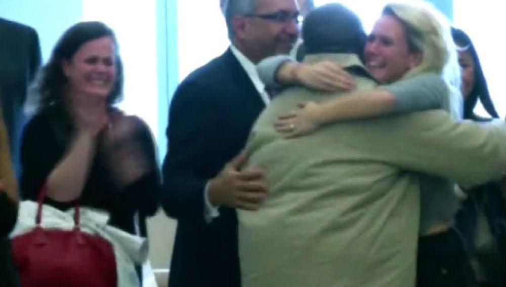 Puesto en libertad después de pasar 30 años en prisión