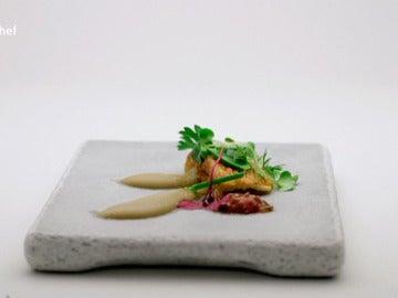 Bocadillo inverso de pan con tomate y jamón