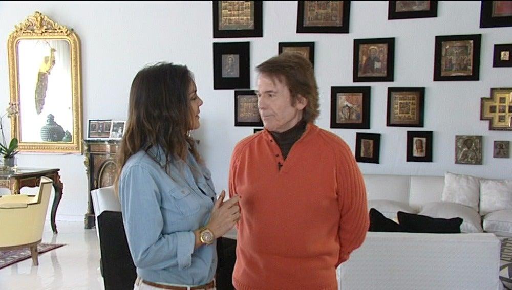 Mónica Carrillo entrevista a Raphael