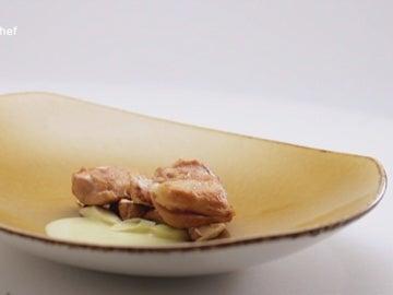 Cordero lechal asado a baja temperatura, coco, puerro y curry