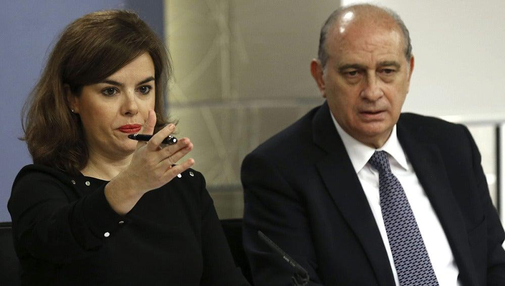 Soraya Sáez de Santamaría y el ministro del Interior, Jorge Fenández Díaz