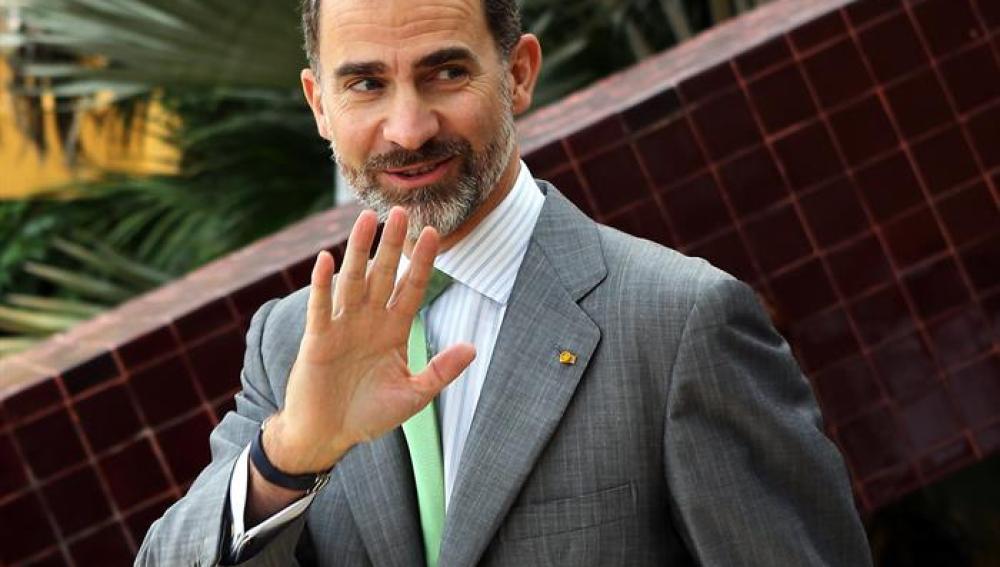 El Rey elogia a los emigrantes españoles en México