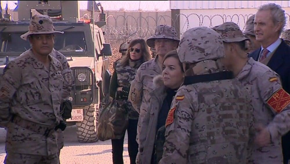 Sáenz de Santamaría visita a las tropas españolas en Afganistán