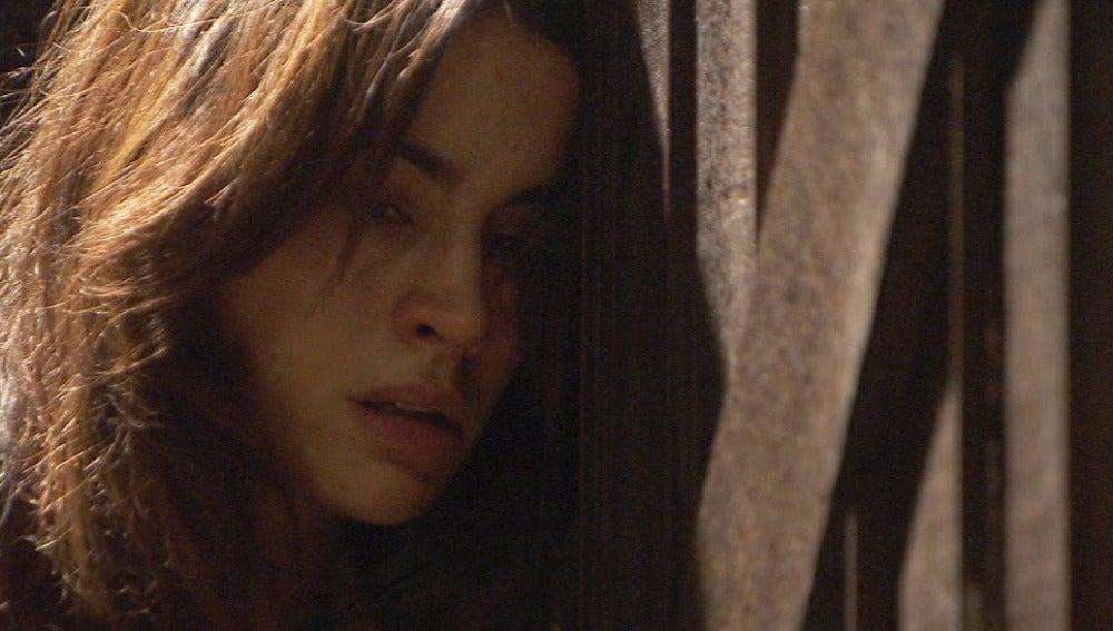 Inés le confiesa a Amalia que está embarazada de Bosco