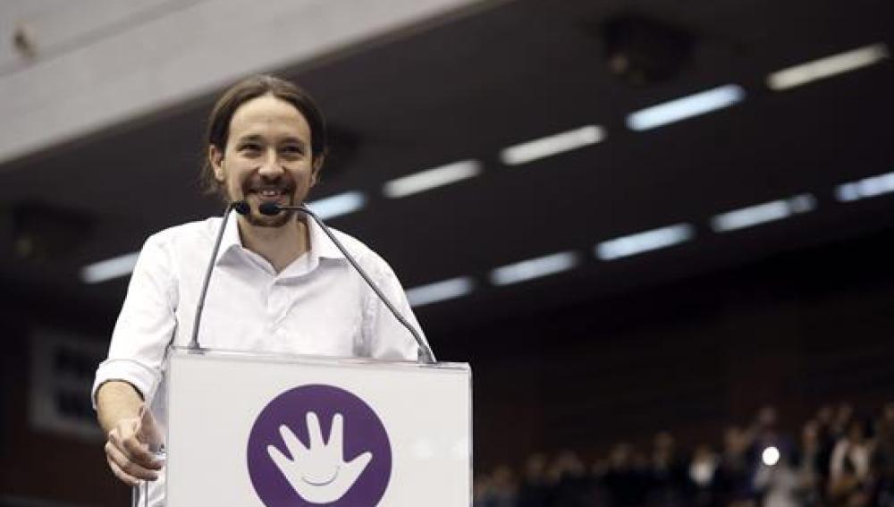 "Pablo Iglesias: ""No me veréis darme un abrazo ni con Rajoy ni con Mas"""