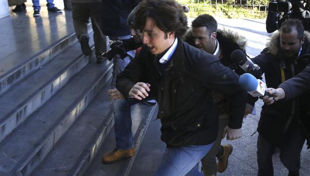 El 'pequeño Nicolás' llega a los juzgados
