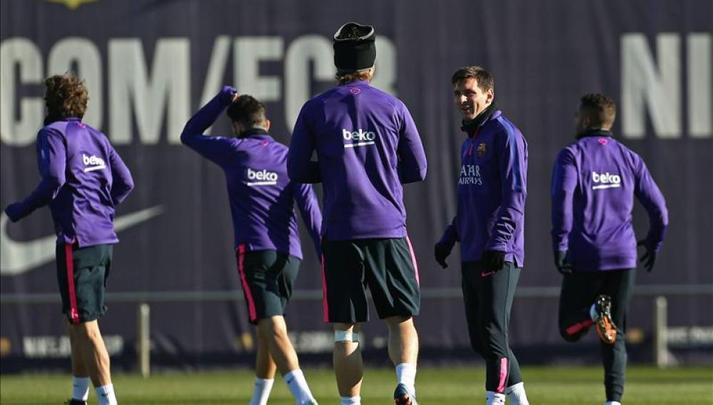 Los jugadores del Barça entrenado en Sant Joan Despí