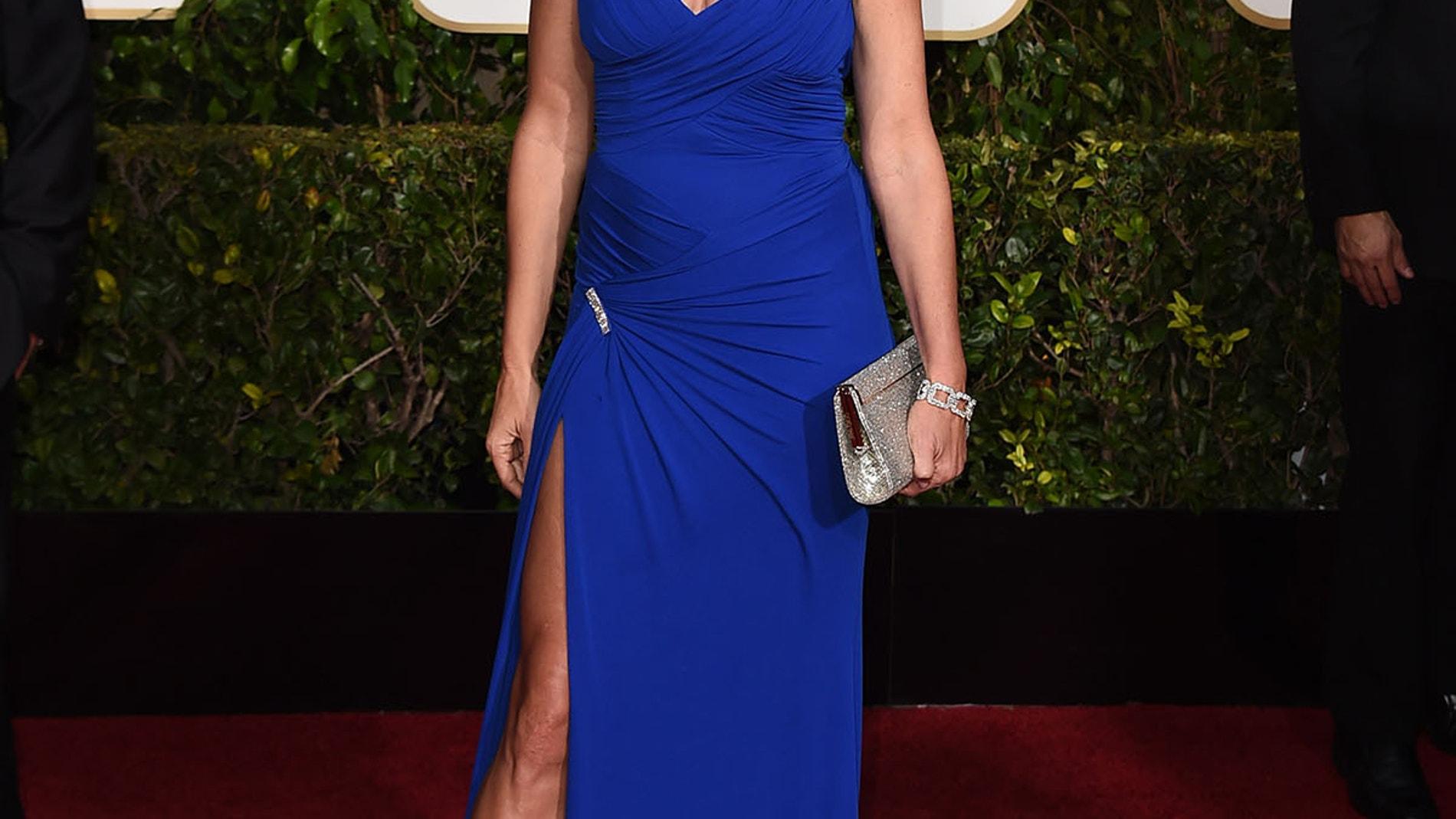 Cindy Crawford se colocó este vestido en azul klein