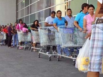 Largas colas en Venezuela