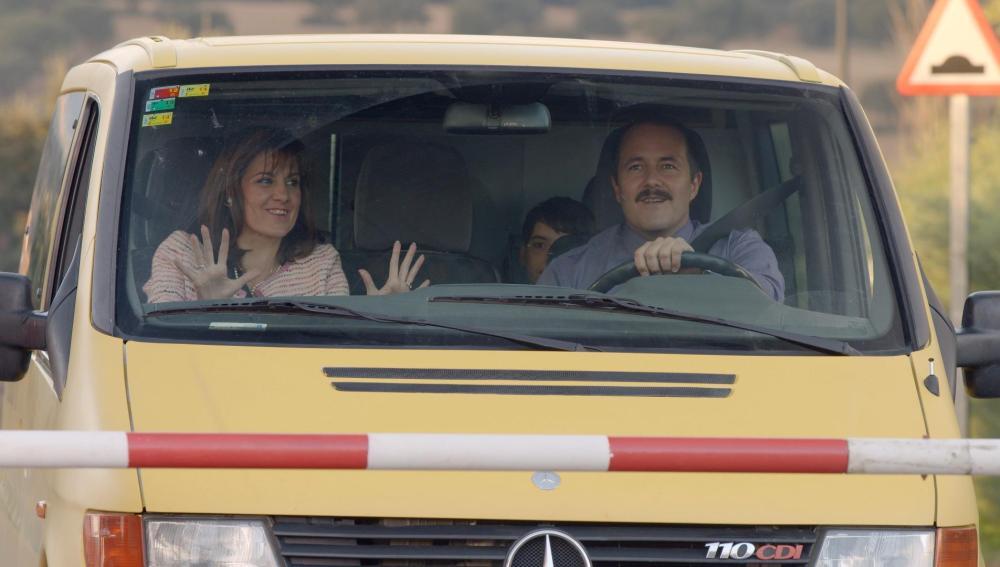 Lolo, Pilar y Nico en la furgoneta