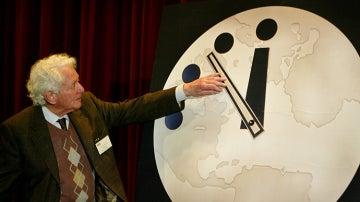 Adelantan el reloj del apocalipsis