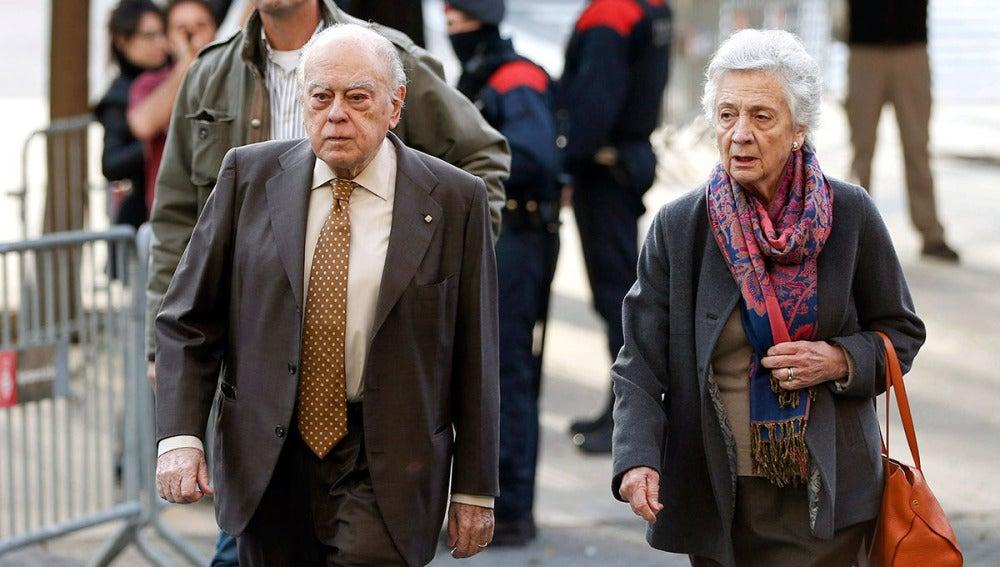 Jordi Pujol y su mujer llegan a los juzgados