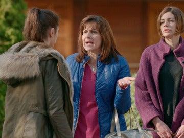 Pilar y Laura aconsejan a Eva