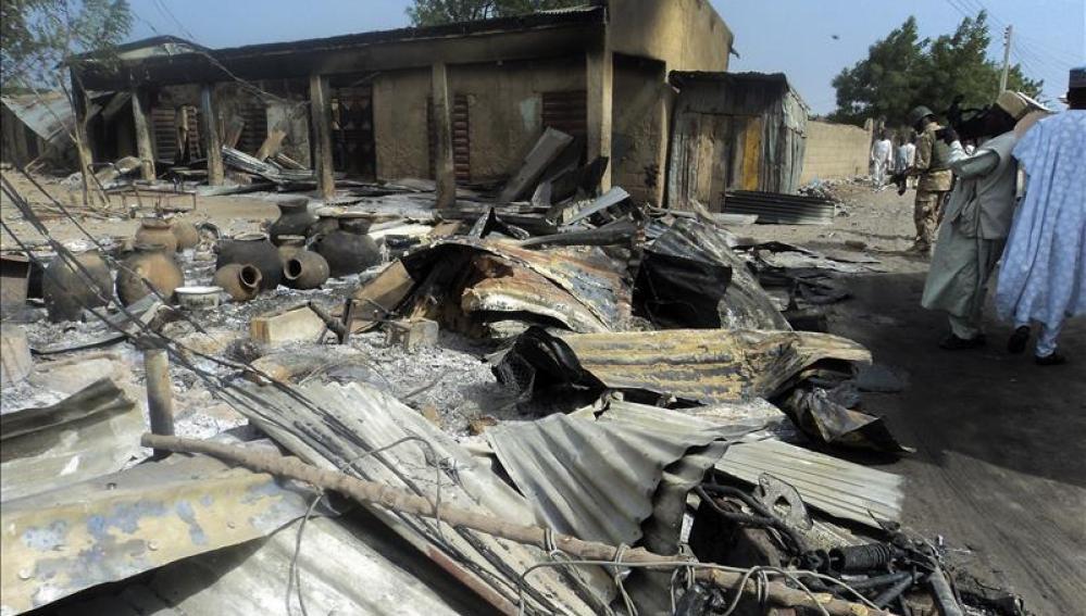 Restos de un vecindario después del ataque en Nigeria (archivo)