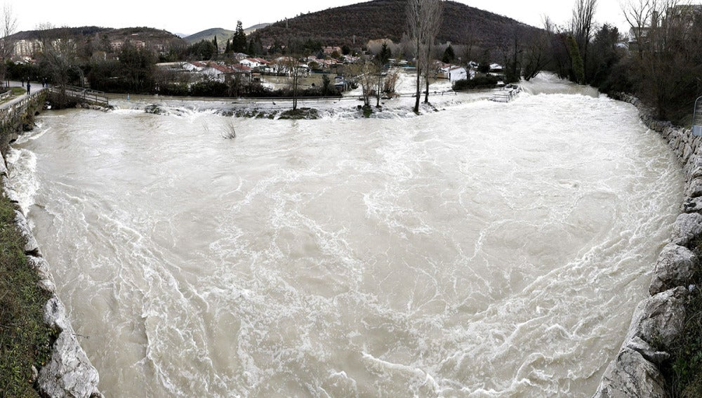 El río Arga a su paso por Huarte