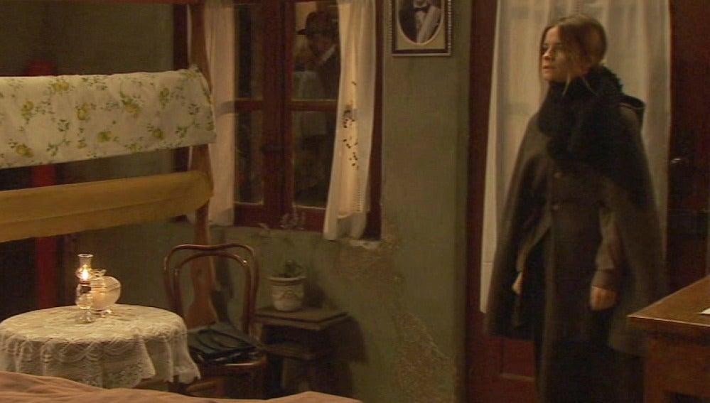 Avance Puente Viejo C1024 - ¿Qué está buscando Alicia de Conrado?