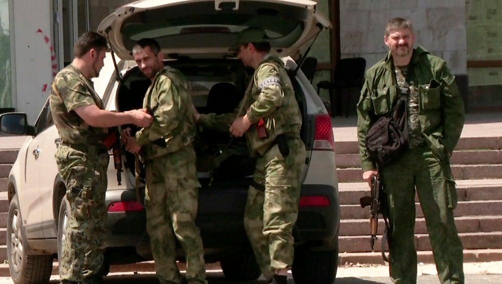 """""""Donetsk está rodeada por 'checkpoints' del ejército"""""""