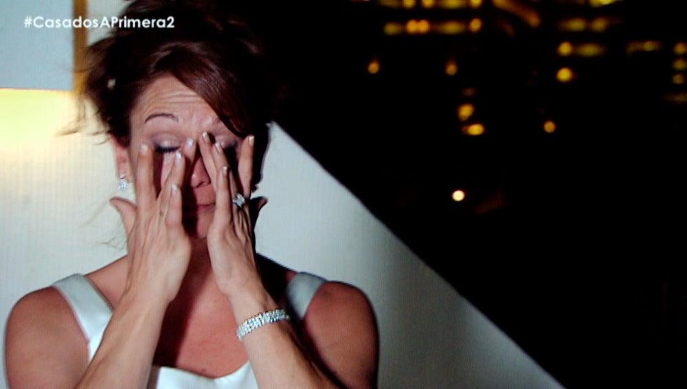 """Toñi rompe a llorar en su noche de bodas: """"Estoy asustada, ha sido un día muy duro"""""""